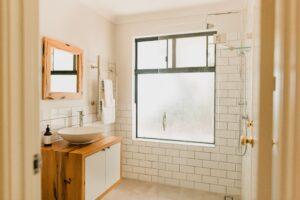 Gumnut 4 Bedroom Cottage Bathroom
